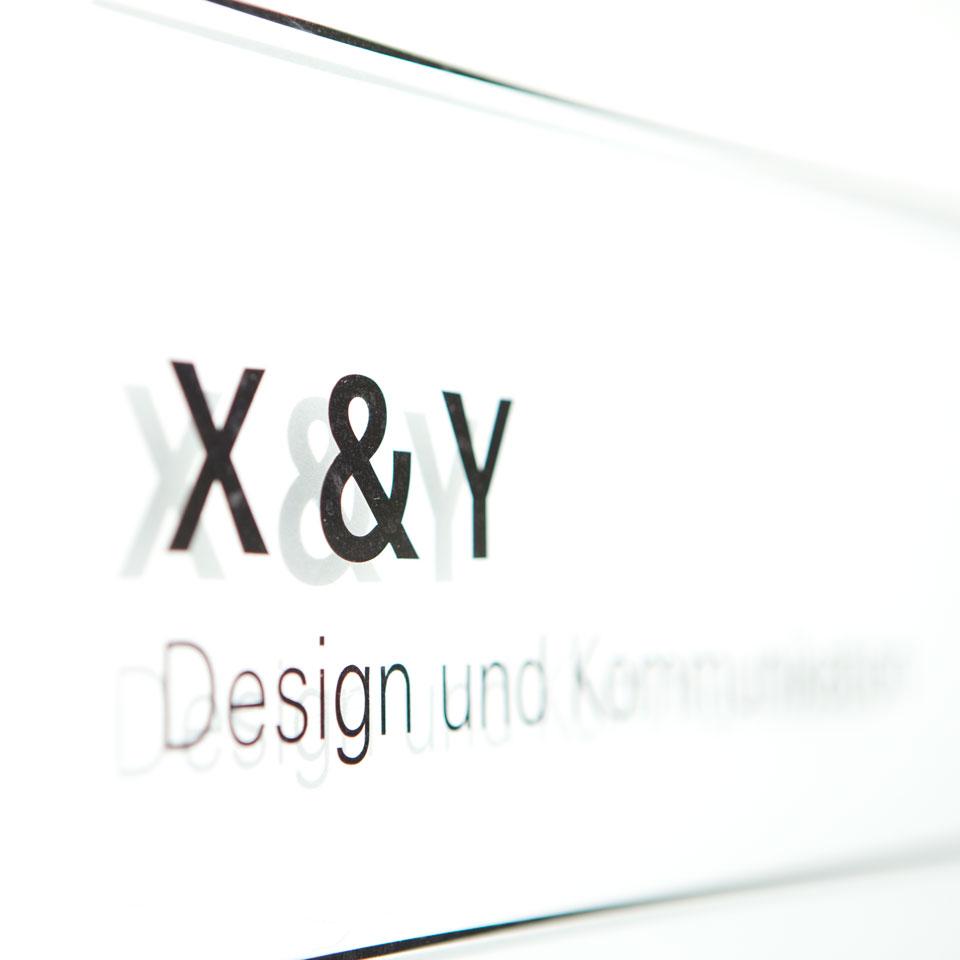 X & Y Büro